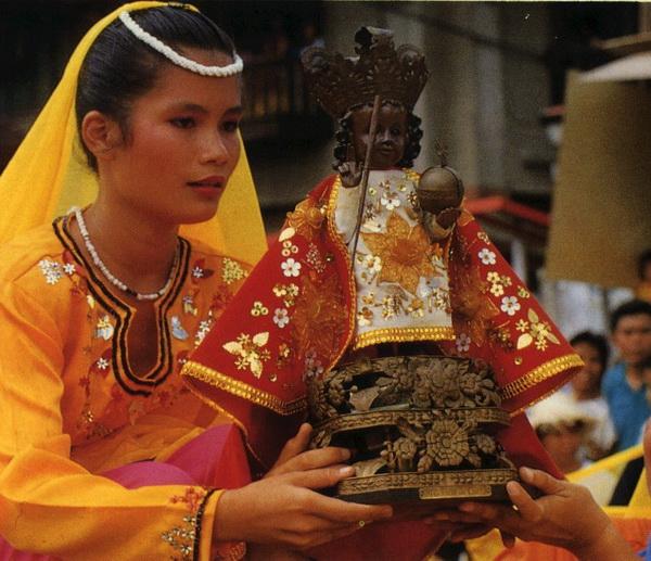 Sinolug - Ein ausgelassenes Fest in Cebu mit religiösem Hintergrund